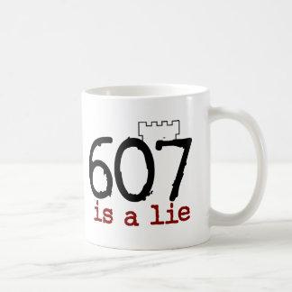 ¡607 es una mentira! taza