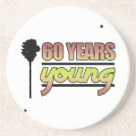 60 años de jóvenes (cumpleaños) posavasos personalizados