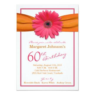 """60.o cumpleaños del Gerbera de la cinta anaranjada Invitación 4.5"""" X 6.25"""""""