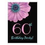 60.o Plantilla del cumpleaños - margarita rosada Invitacion Personal