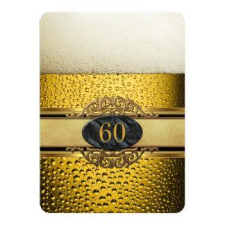 """60.o Sirve a la fiesta de cumpleaños negra del oro Invitación 4.5"""" X 6.25"""""""