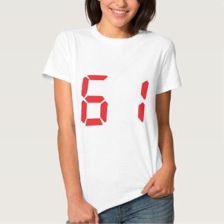 61 sesenta y uno números digitales del despertador remeras
