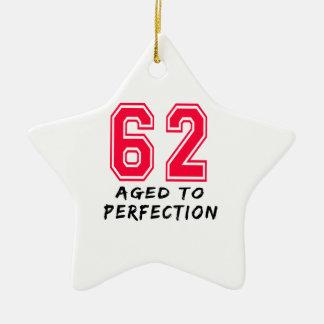 62 envejeció al diseño del cumpleaños de la perfec ornamentos de reyes