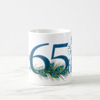 # 65 - 65.o aniversario de boda o 65.o cumpleaños taza básica blanca