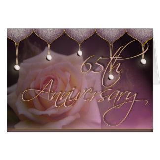 65.a tarjeta color de rosa del aniversario