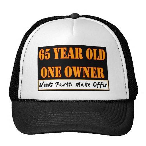 65 años, un dueño - las piezas de las necesidades, gorros