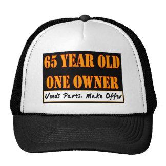 65 años, un dueño - las piezas de las necesidades, gorros bordados