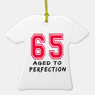 65 envejeció al diseño del cumpleaños de la perfec adorno de reyes