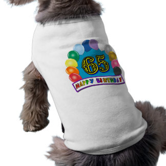 65.o cumpleaños feliz con los globos playera sin mangas para perro