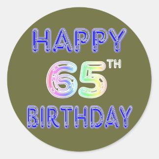 65.o cumpleaños feliz en fuente del globo pegatina redonda
