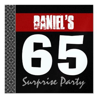 """65.o Metálico blanco negro rojo del cumpleaños de Invitación 5.25"""" X 5.25"""""""