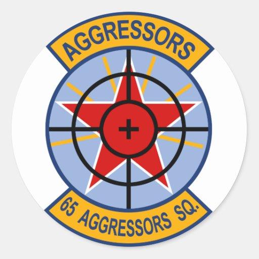 65.o Remiendo de la escuadrilla de los agresores Pegatina Redonda