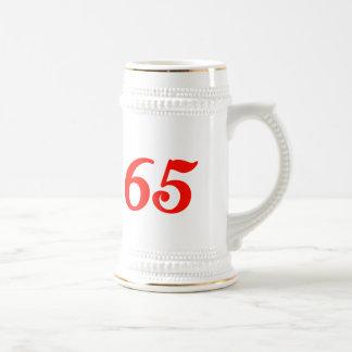 65 os regalos de cumpleaños del número sesenta y c taza de café
