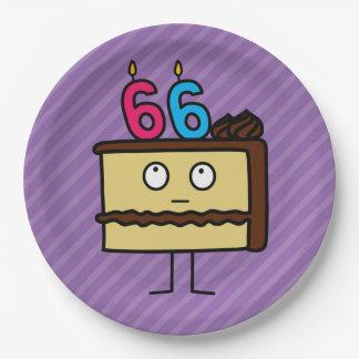 66.o Torta de cumpleaños con las velas Platos De Papel