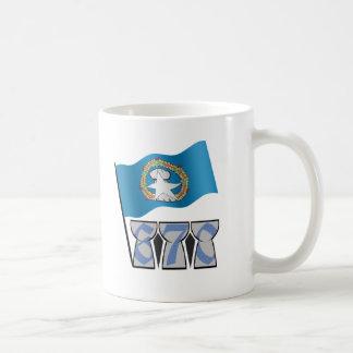 670 con la bandera taza de café