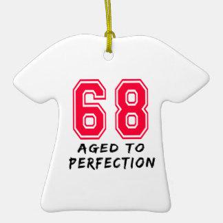 68 envejeció al diseño del cumpleaños de la perfec adornos