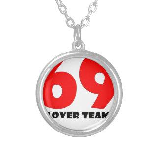 69.jpg round pendant necklace
