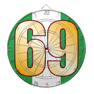 69 NIGERIA Gold Dartboard With Darts