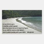 6:8 de Micah él le ha mostrado, mortal de O,…. Rectangular Pegatinas