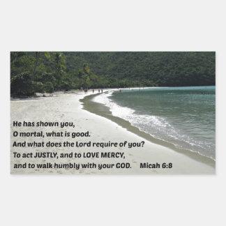 6:8 de Micah él le ha mostrado, mortal de O,…. Pegatina Rectangular