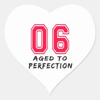 6 envejeció al diseño del cumpleaños de la colcomanias de corazon personalizadas