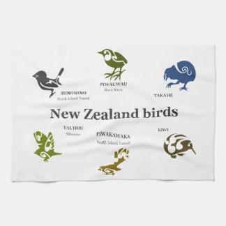 6 New Zealand birds Towel