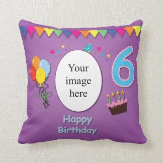 6ta almohada feliz del cumpleaños con su foto