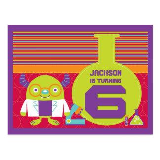 6to cumpleaños del científico enojado colorido del postal