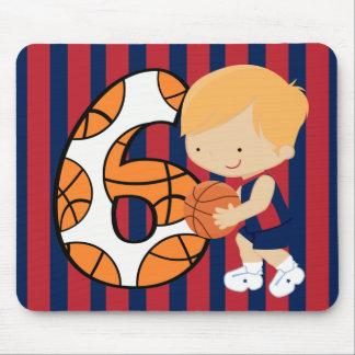 6to Jugador de básquet azul y rojo del cumpleaños Alfombrilla De Ratones