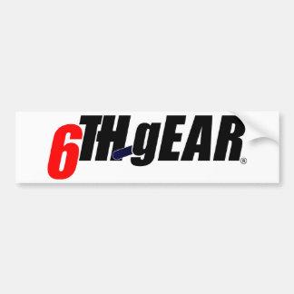 6to logotipo del engranaje etiqueta de parachoque
