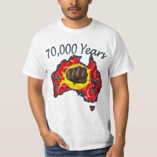 70 000 años de blanco de la camiseta polera