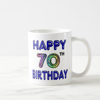 70.a taza feliz del cumpleaños en fuente del globo