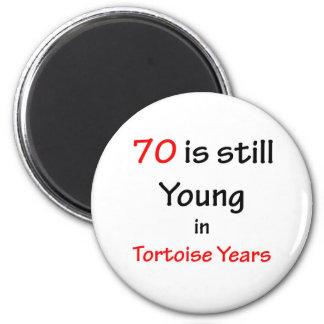 70 años de la tortuga imán redondo 5 cm