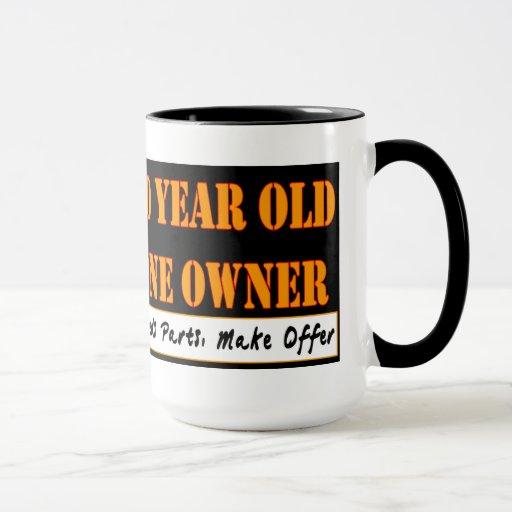 70 años, una taza de café del dueño