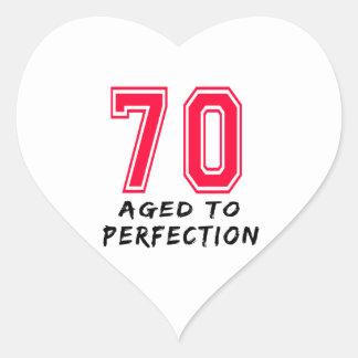70 envejeció al diseño del cumpleaños de la calcomanías de corazones