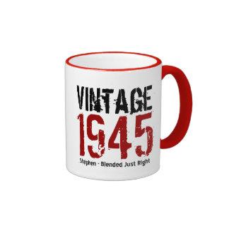 70.o Cumpleaños vintage V01G de 1945 o CUALQUIE Taza De Dos Colores