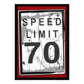 70 o Muestra sucia del límite de velocidad de la f Invitacion Personalizada