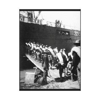 71st N.Y. Volunteers boarding transport_War Image Canvas Print