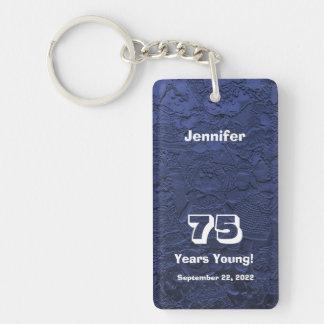75.o Cumpleaños 75 años de llavero azul joven de