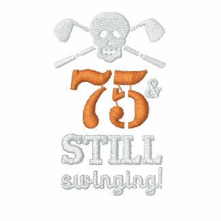 75 y todavía balanceo - camisa del cumpleaños del camiseta polo