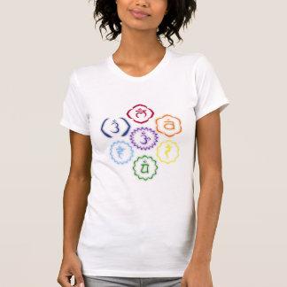 7 Chakras en un círculo Camisetas