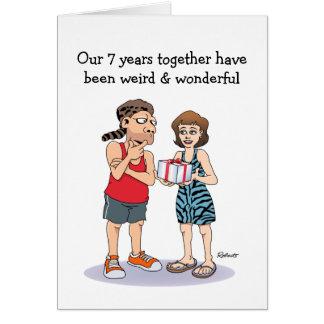 7ma tarjeta divertida del aniversario: Extraño y