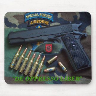 7mos veteranos Mousepad de Fort Bragg de las fuerz
