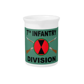 7th Infantry Division - Crossed Rifles - With Text Pitcher