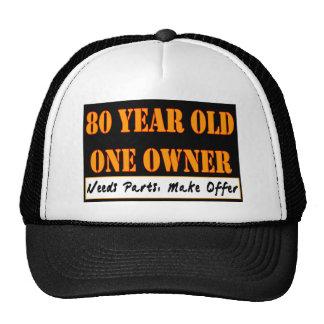 80 años, un dueño - las piezas de las necesidades, gorro