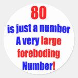 80 es apenas un número pegatinas redondas