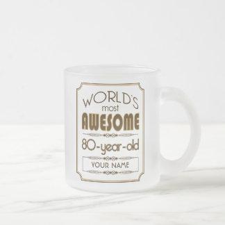 80.o mundo de la celebración del cumpleaños del taza de café esmerilada