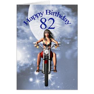 82.o cumpleaños con un chica del motorista tarjeta de felicitación