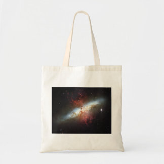 82 una galaxia más sucia M82 del cigarro de NGC 30 Bolsas