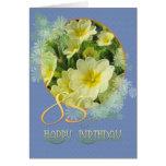 85o Primaveras y azul del cumpleaños Felicitaciones